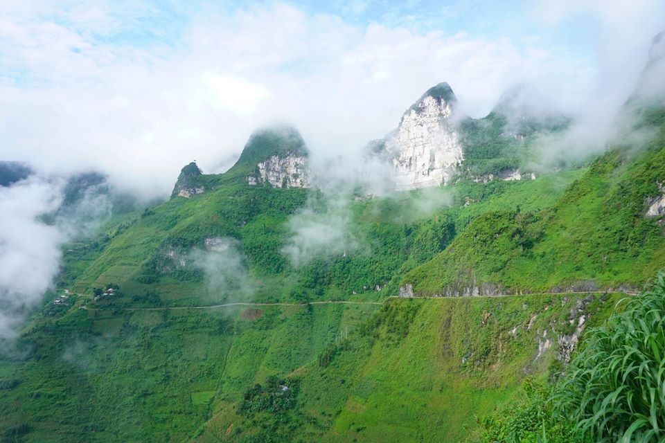 Ma Pi Leng Pass, one of the most challenging and beautiful passes in northern Vietnam. Photo by Xu Kien.