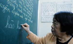 Hanoi teacher has no plans to retire from painstaking task