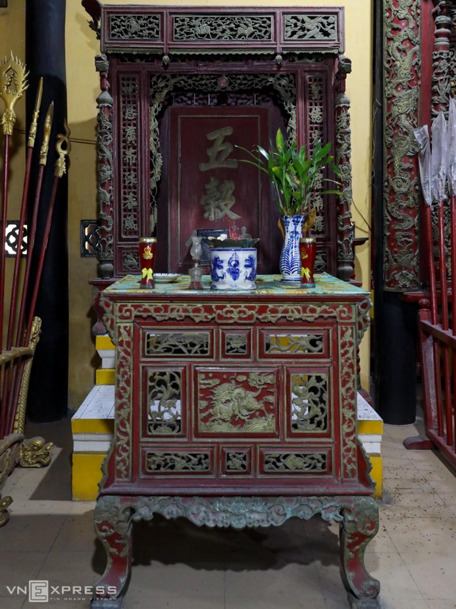 Time stands still at Saigon communal house