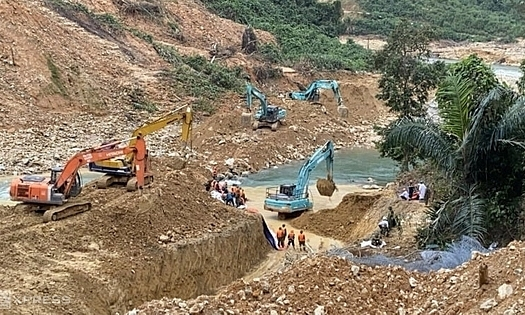 Sixth body retrieved from central Vietnam landslide site