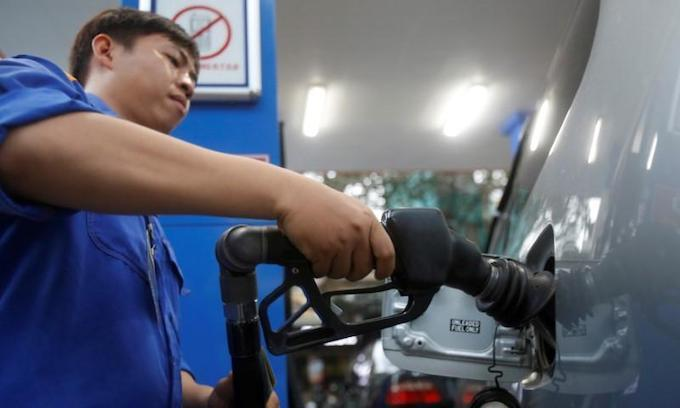 Ministry of Finance seeks to keep jet fuel tax low
