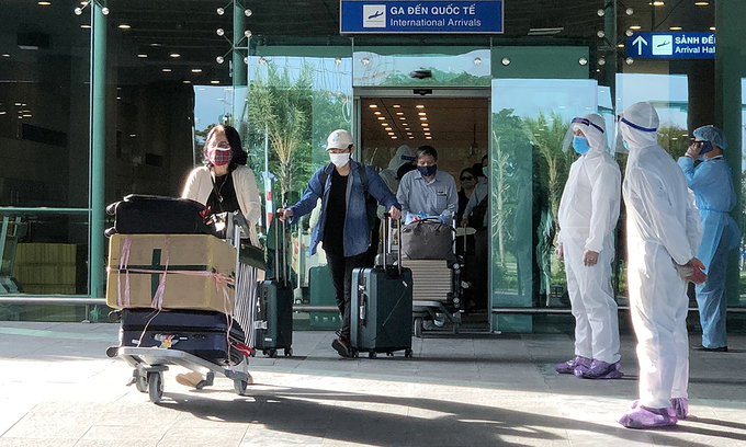 Czech returnees, Indian experts up Vietnam's Covid-19 tally