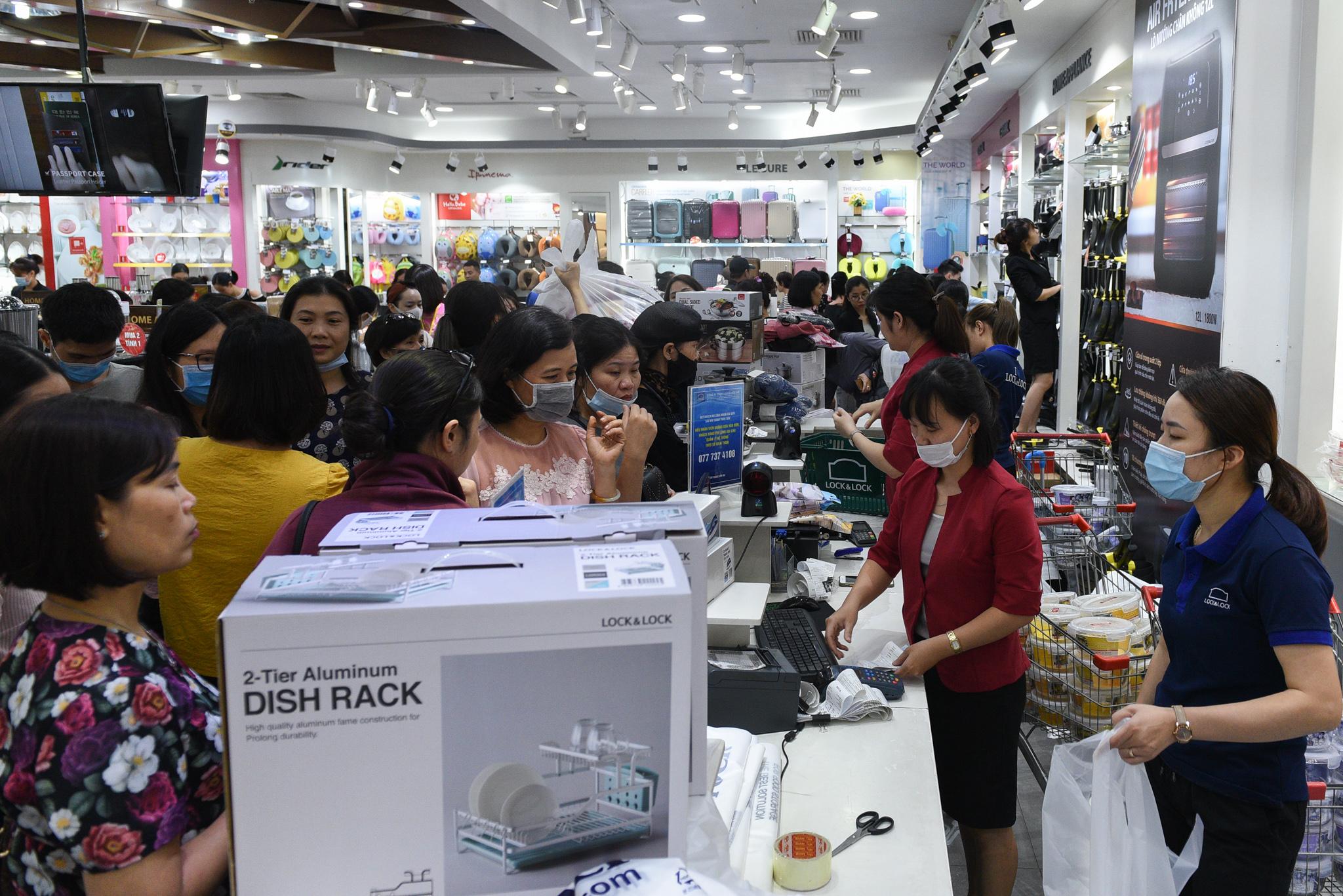 Black Friday a damp squib at Hanoi malls