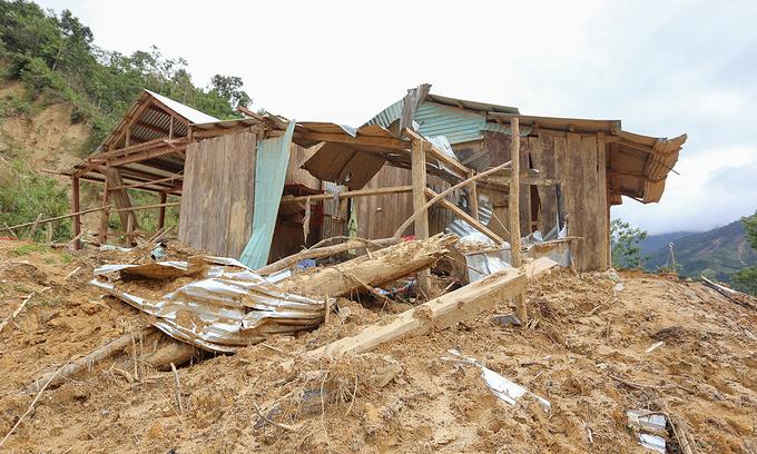 Central provinces report $1.3 bln flood damage, seek more government aid