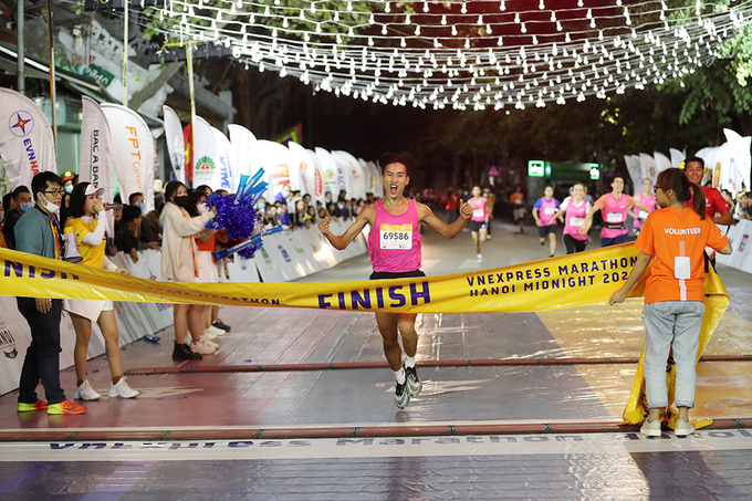 The first runner to reach the 10-km courses finish line.
