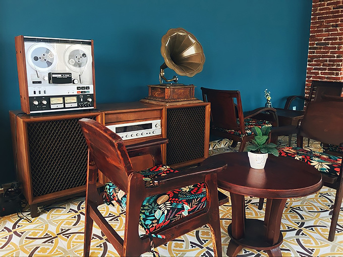 The design of the café is in vintage and retro style with old tape and vinyl players that are still working. Photo by Phen's Coffee.