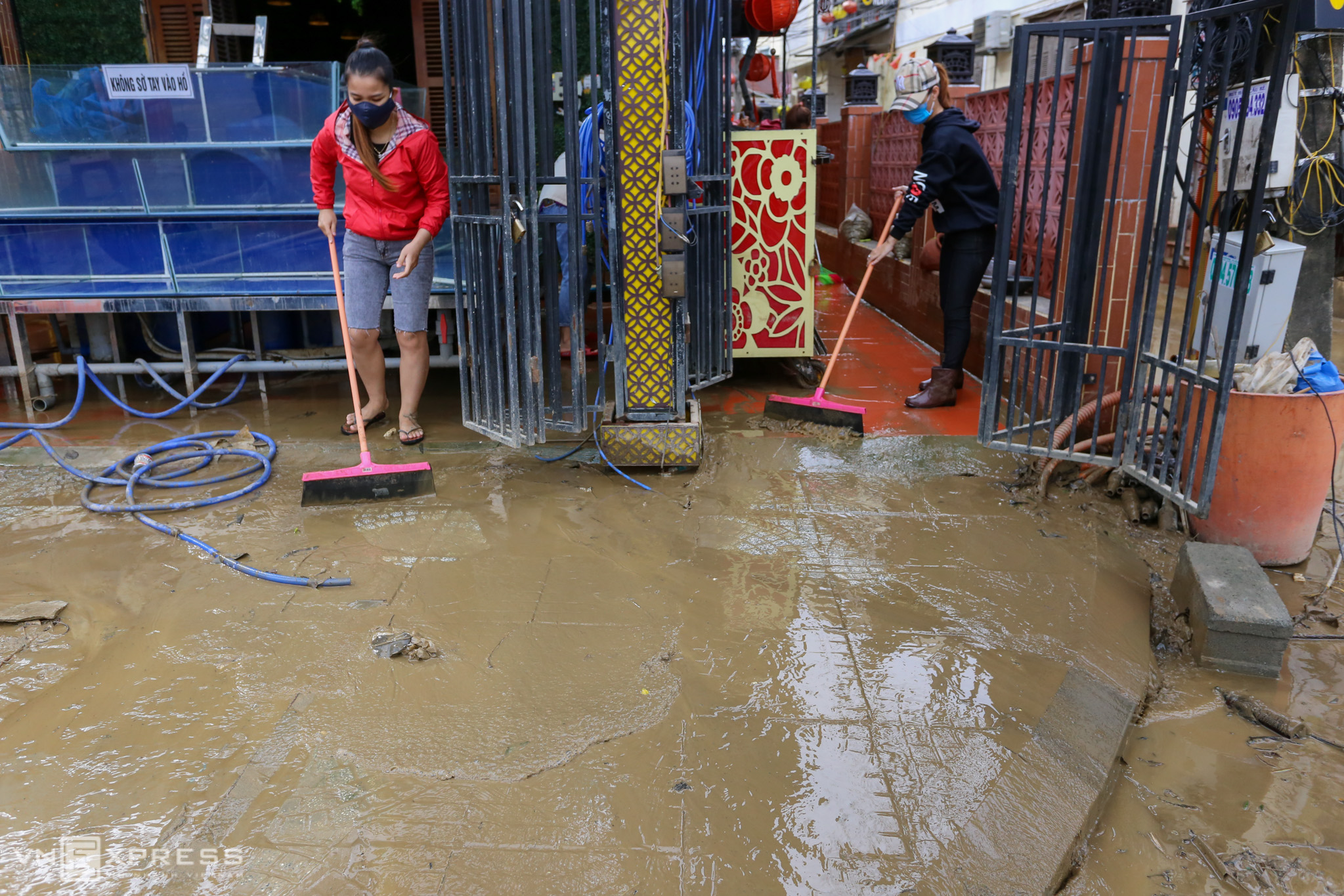 Residents clean up Hoi An ahead of heritage status anniversary