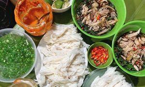 Late-night chicken pho options in Hanoi