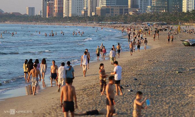 Da Nang to build disabled-friendly entrances to beaches