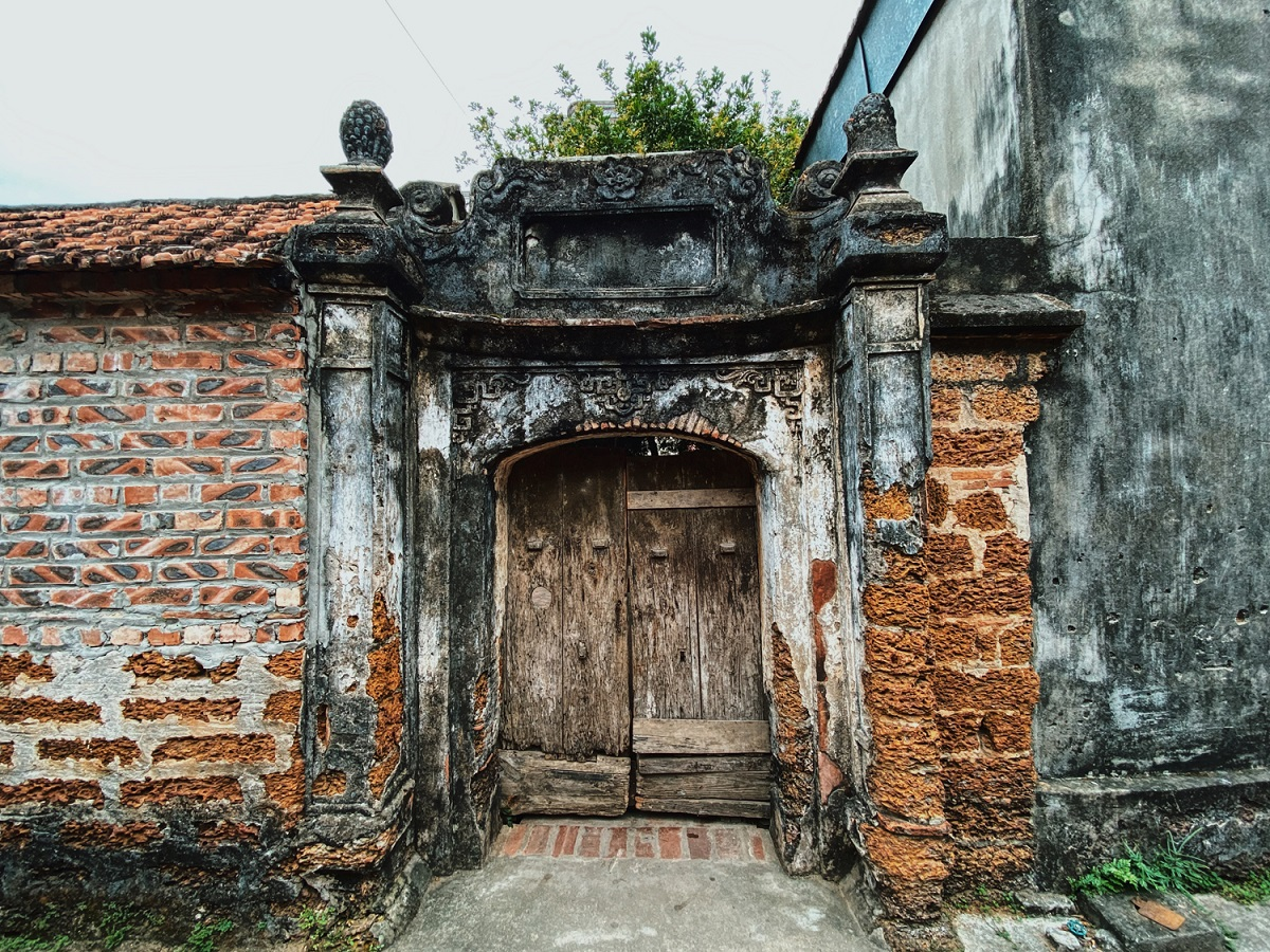 Duong Lam has 956 ancient houses including those dating back to the 17th century.