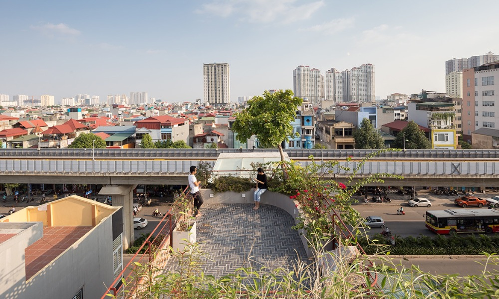 The roof terrace provides homeowners a good view of their neighborhood.Habitus Livings House Of The Year awards had chosen 20 designs into their shortlist before announcing three winners on December 3, 2020.