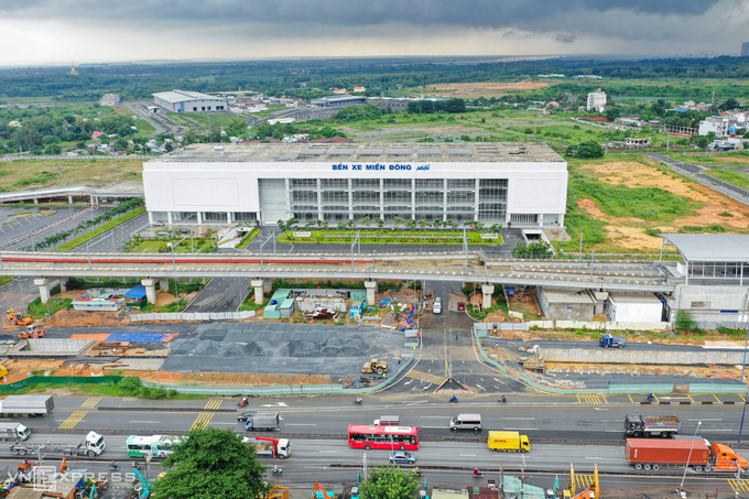 The new Mien Dong coach station in HCMC is seen from above, October 2020. Photo by VnExpress/Huu Khoa.