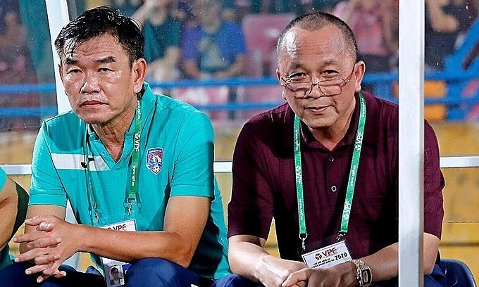 Football coach ends contract with crisis-hit V. League club