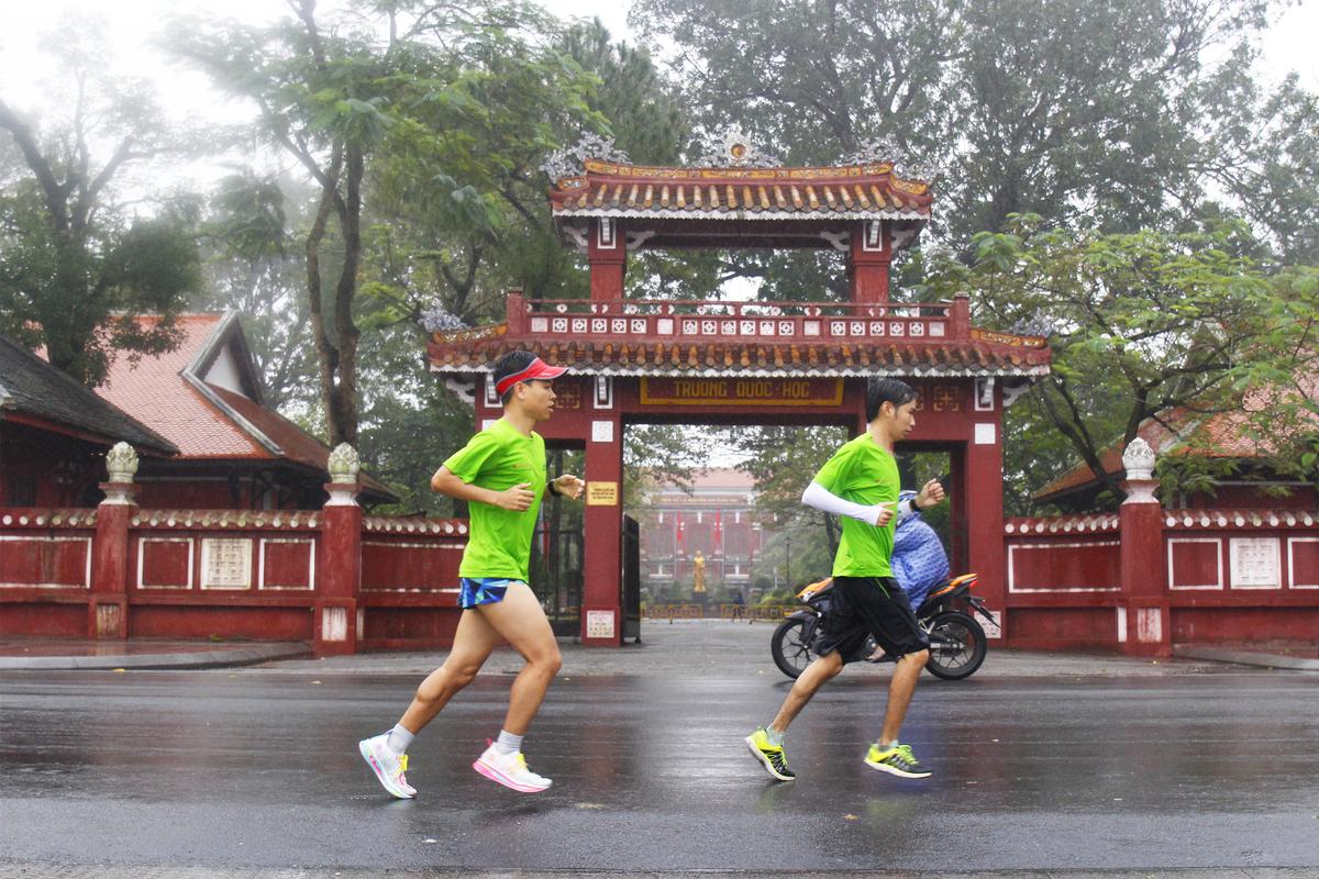 Runners trial VnExpress Marathon Hue route