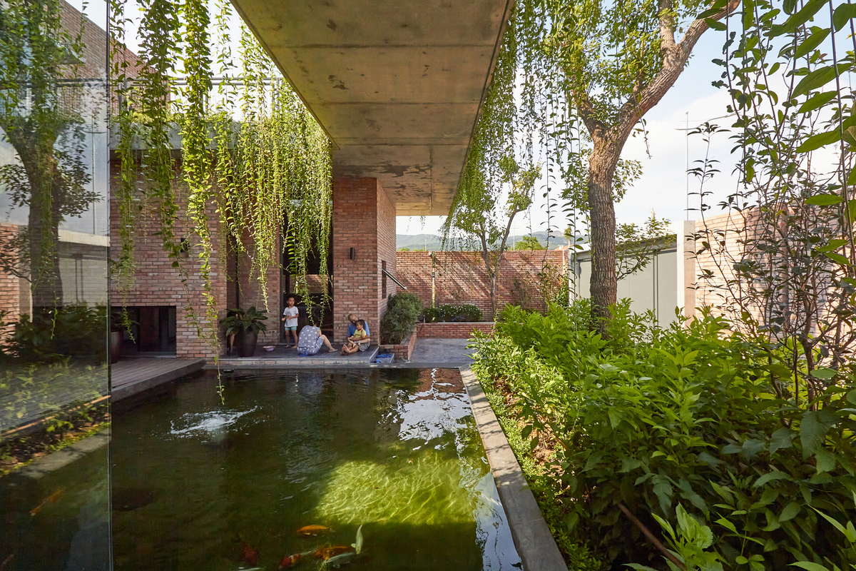 Seven Vietnamese homes included in top 100 architectural projects - 4