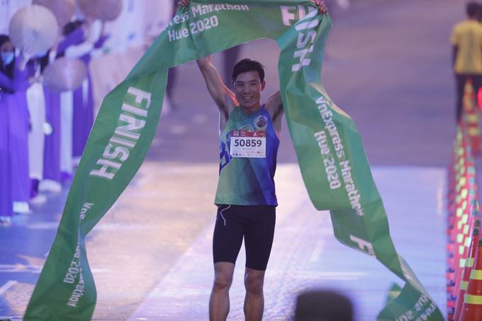 Truong Hong Huu won the mens 5 km race.