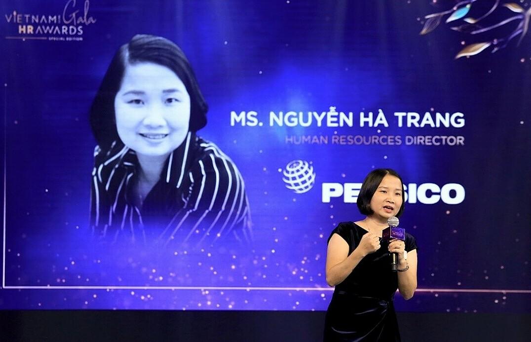 Nguyen Ha Trang, Human Resources Director of PepsiCo Foods Vietnam, speaks at the Vietnam HR Awards 2020.