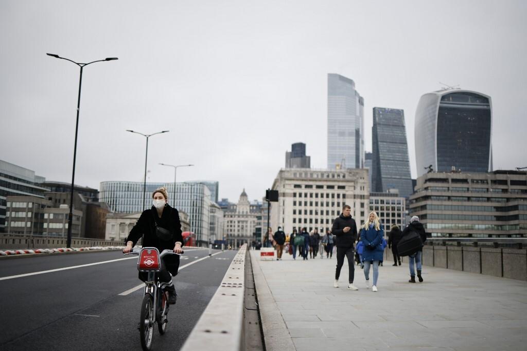 A view of London Bridge on December 29, 2020. Photo by AFP/Tolga Akmen.