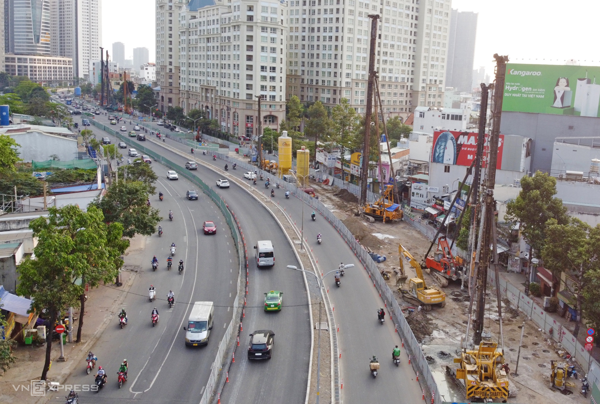 Aerial view of a construction site to upgrade HCMCs Nguyen Huu Canh Street, December 28, 2020. Photo by VnExpress/Gia Minh.