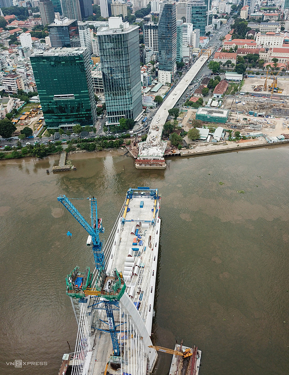 Aerial view for the construction of the Thu Thiem 2 Bridge in HCMC, December 2020. Photo by VnExpress/Quynh Tran.