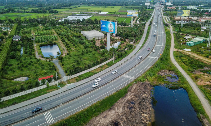 A section of the Ho Chi Minh City - Trung Luong Expressway which connects HCMC with Tien Giang Province in the Mekong Delta. Photo by VnExpress/Quynh Tran.