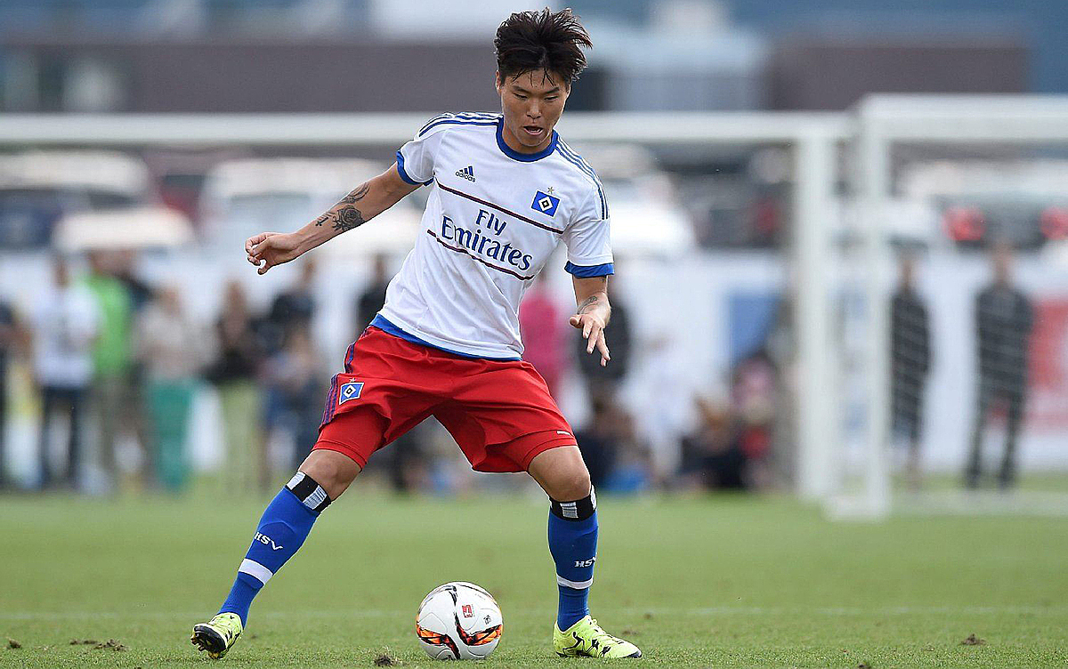 Kim Dong-su plays for Hamburger SV in 2017. Photo courtesy of Hamburger SV.