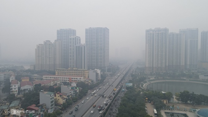 Garbage overload, road construction blamed as Hanoi air quality takes a dive