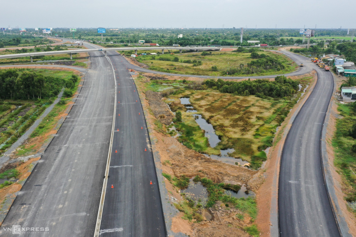 Mekong Delta road link gets set to run its course