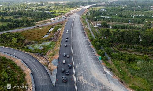 New highways, bridges set to ease gridlock in Mekong Delta