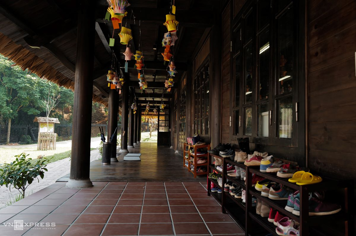 The hallway of the primary-school building is decorated with paper lanterns, which adds a much more cosy feeling, compared to traditional Vietnamese schools.