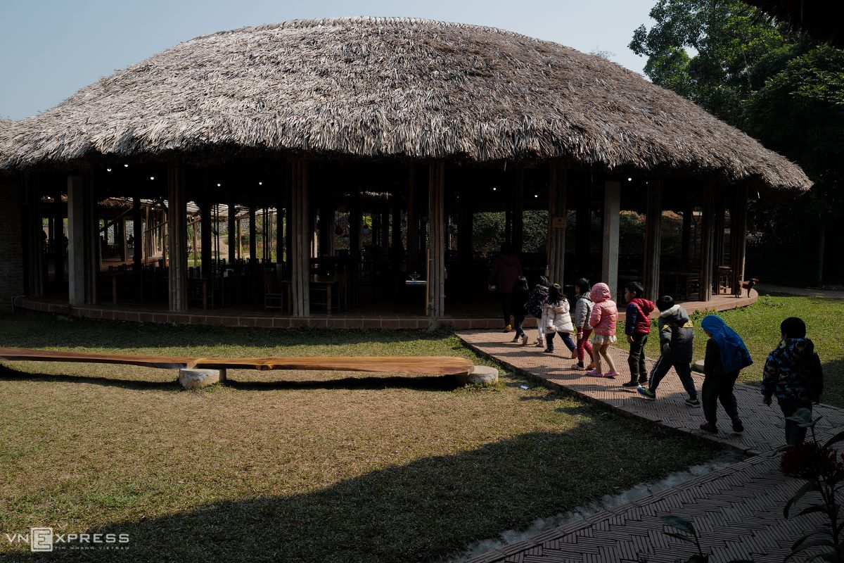 All of the school's buildings reflect its educational philosophy, with human beings an integrated part of nature, said Nguyen Thi Huong, Maya School's architect. If we live in harmony with nature, the quality of our lives would improve. Therefore, the buildings are all made from natural materials like laterite, clay, bamboo and wood, with all the roofs covered with thatch.  The school even diverted paths to preserve the campus' natural big trees, Huong added.