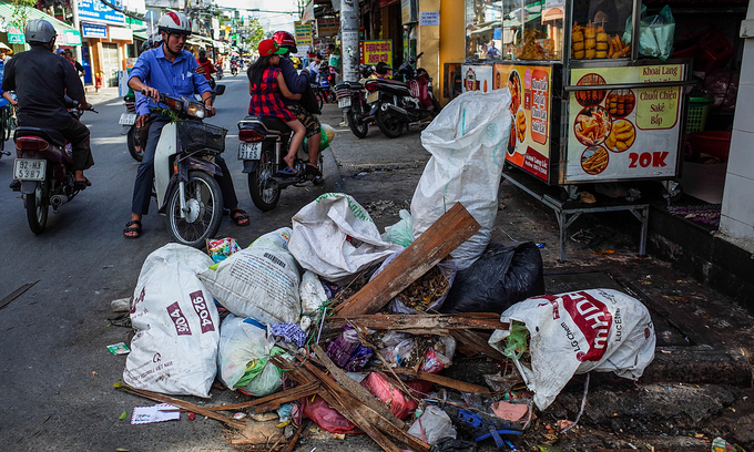 HCMC asked to clean up its waste treatment act
