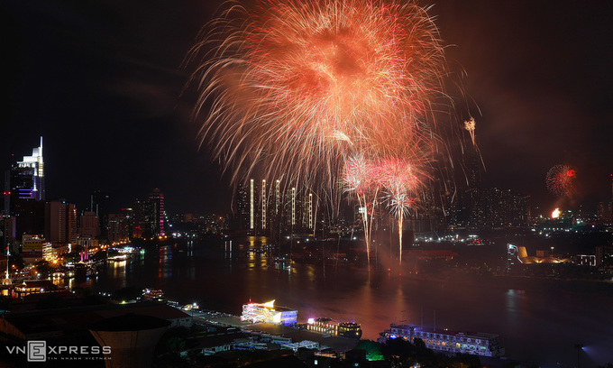 HCMC gets busy with welcome party for Lunar New Year