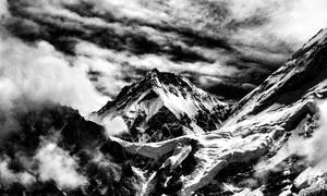 Vietnamese photographer captures grandeur of Himalayan proportions