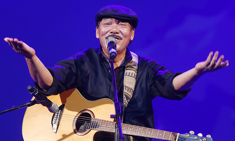 Musician Tran Tien is the latest Vietnamese celebrity facing a death hoax. Photo by VnExpress/Giang Huy.