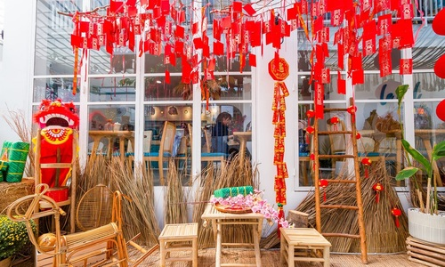 Tet joy begins to pervade Saigon cafes