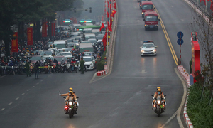 Thousands of traffic cops take to Hanoi streets ahead of Party Congress