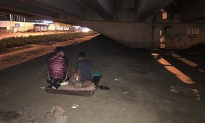 Hanoi charity's young volunteers spend nights rescuing homeless children