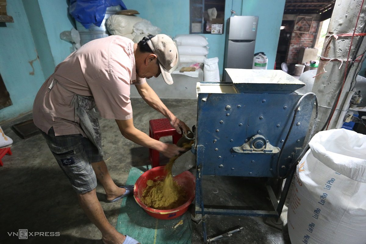 The cake was manually produced before, with machines only introduced in the past six years. The mixture must be blended well so it could be shaped well, Truc said.