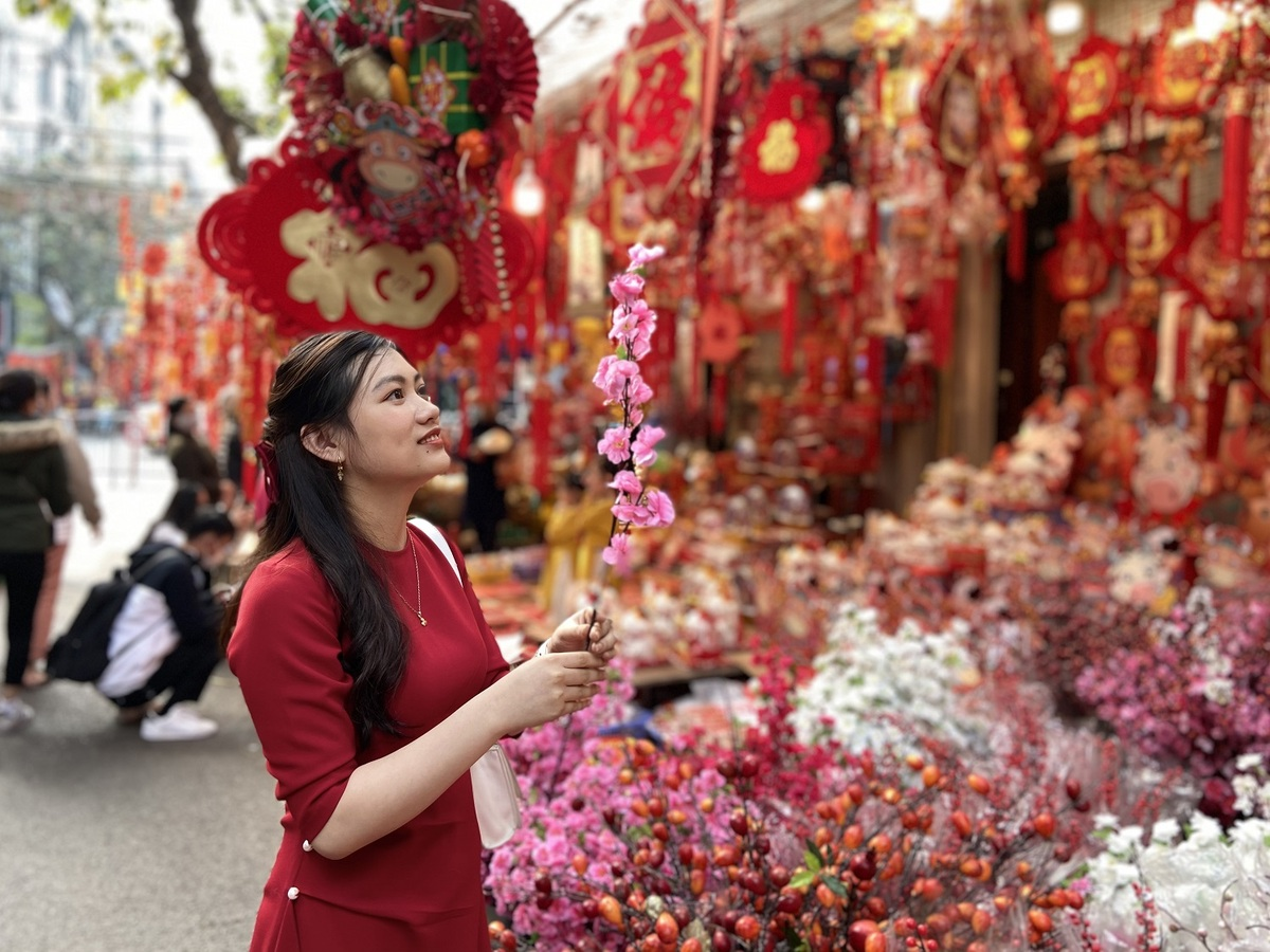 Hanoi's Old Quarter gears up for Lunar New Year