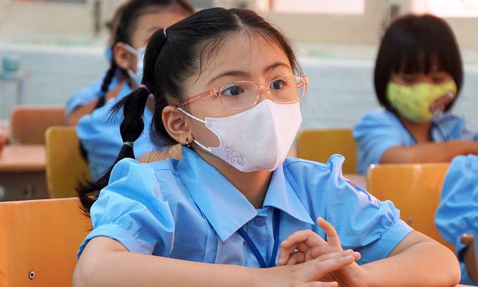 1.7 mln Saigon students take early Tet break amid new Covid-19 wave