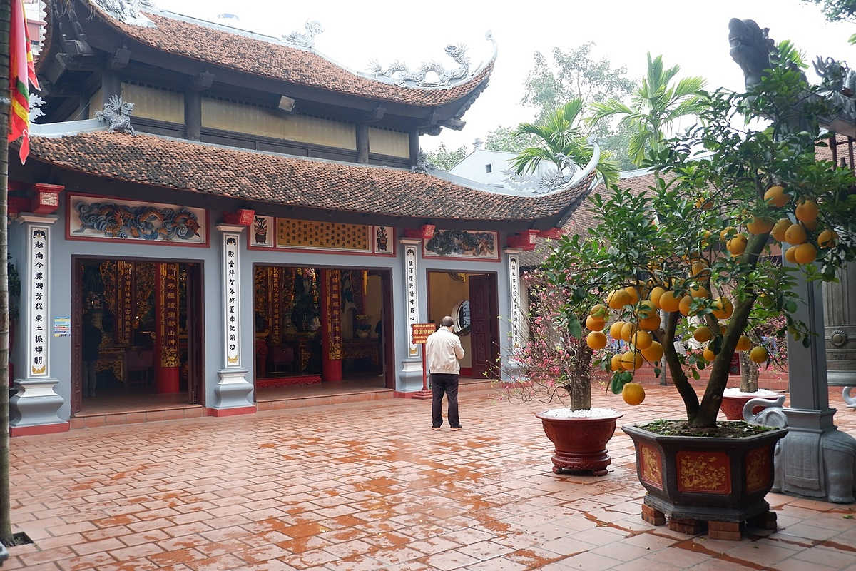 No large crowds inside the temple as usual. Since the 16th century, Vietnamese have gathered at Buddhist pagodas, temples and other sanctuaries to worship a triumvirate of heroic female spirits revered for meting out justice and protecting the nation. All of them are called Mother Goddess.
