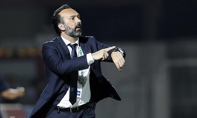 FIFA rules V. League club has to pay Italian coach compensation after sacking