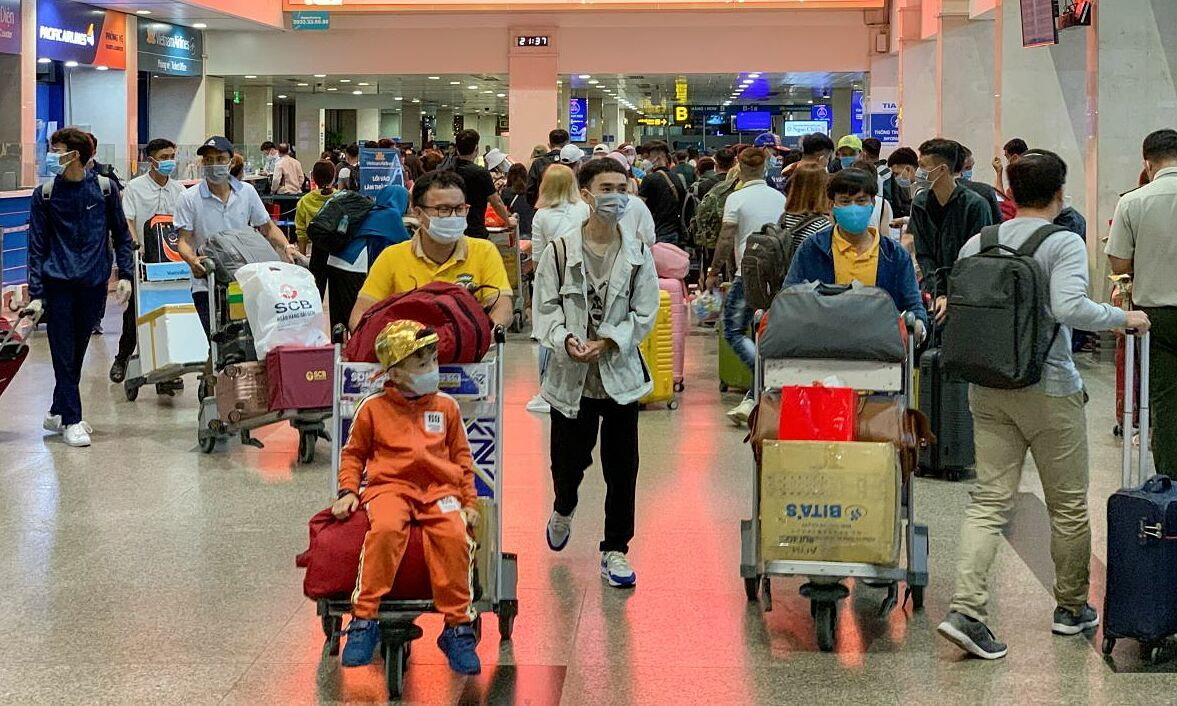 Tan Son Nhat airport staff among four confirmed Covid-19 community transmissions – VnExpress International