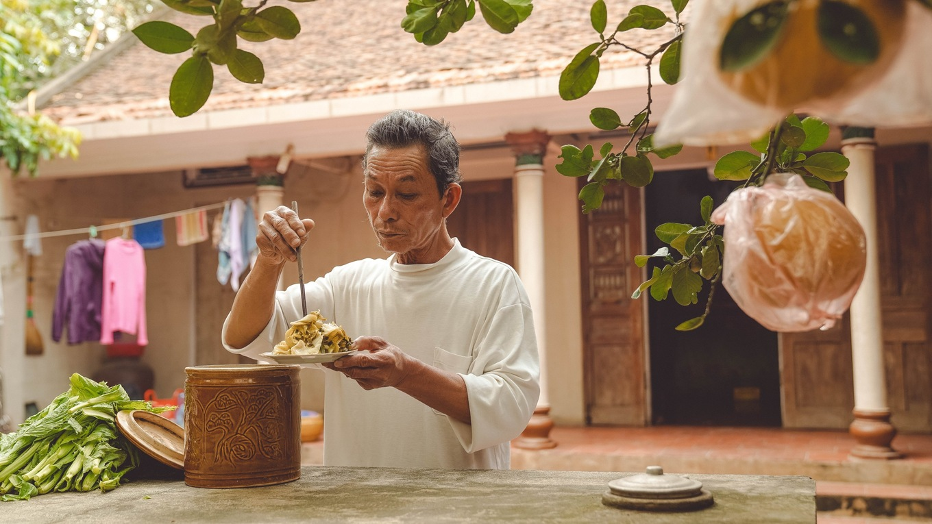 Photos showcase the charm of Tet preparation in Vietnams countryside - 16