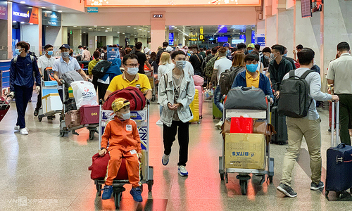 HCMC residents to be isolated in other localities over Covid-19
