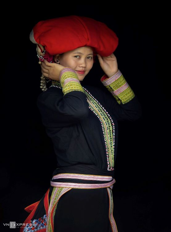 Traditional costumes reveal diversity among Dao ethnic groups - 20