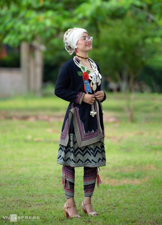 Traditional costumes reveal diversity among Dao ethnic groups - 16
