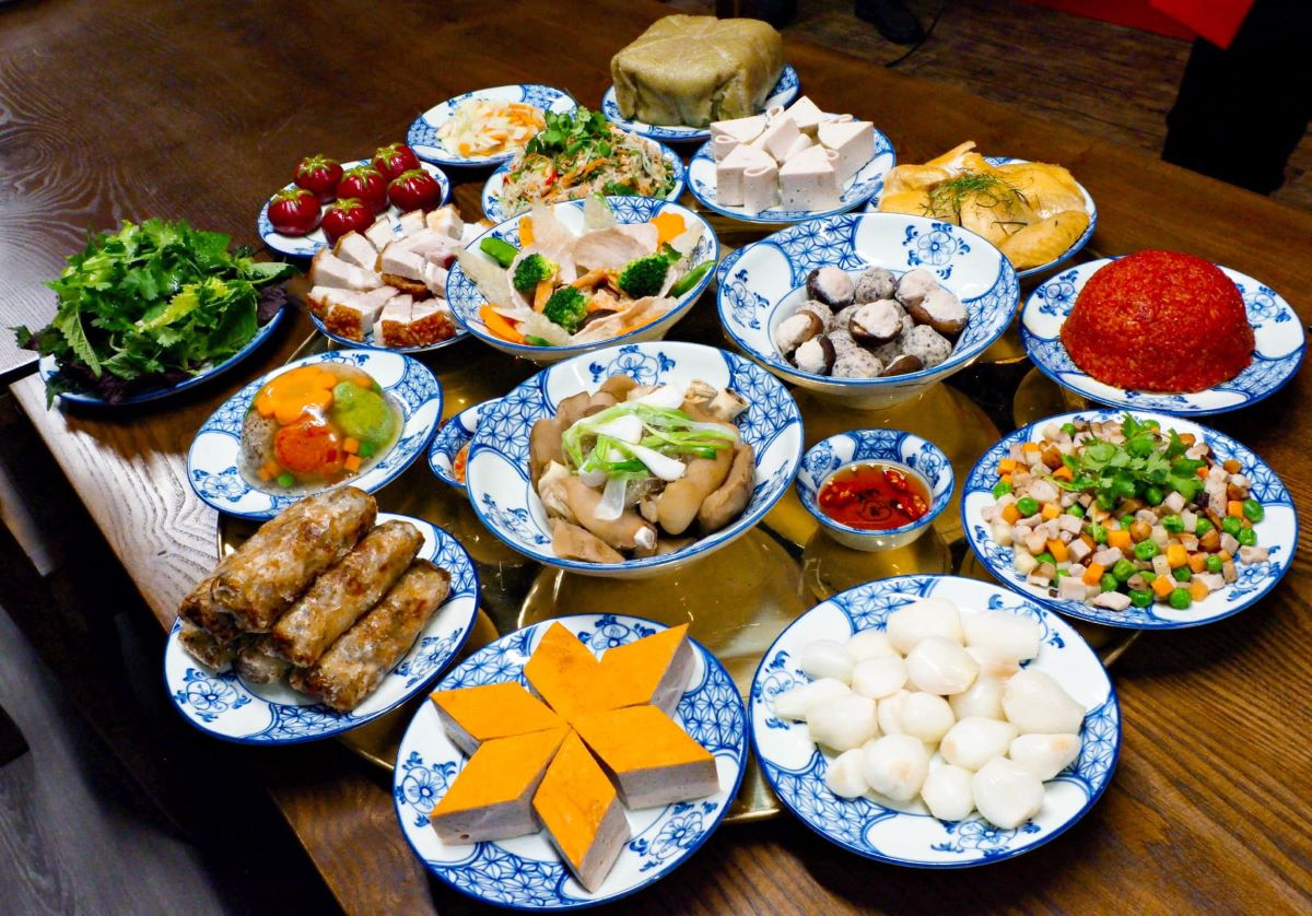 A traditional Northern Tet offering tray.