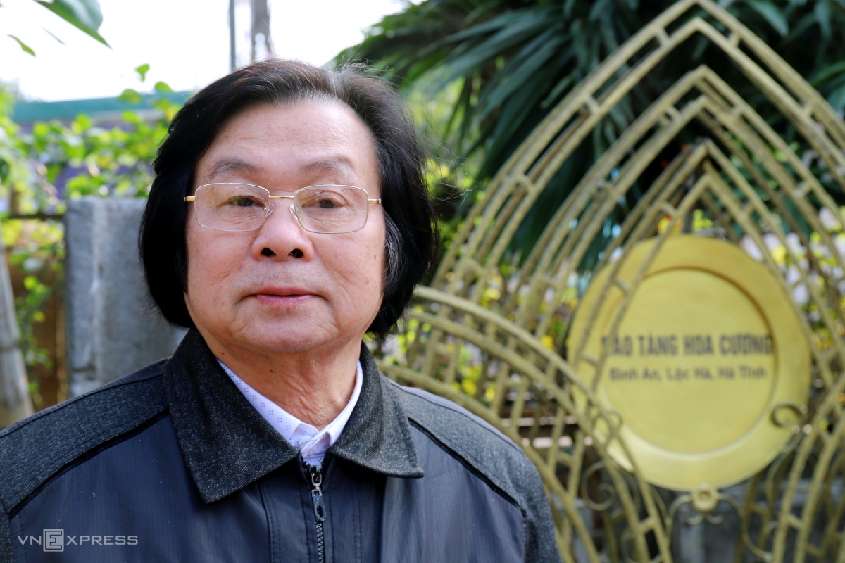 Dr. Nguyen Quang Cuong, 64, is the owner of Hoa Cuong Museum. The idea of building a museum initially came to Cuong, who was a teacher at Binh Dinh-based Quy Nhon University, in the 1970s, after the man had lost some of his valuable certificates. He thought he would keep the best things of the past and create a museum for his family and society.  Over the last decades, I have traveled to many areas to collect and purchased artifacts before taking them to my house or my friends' houses. Late 2020, when I finished building the museum, I took them here for display, Cuong said.